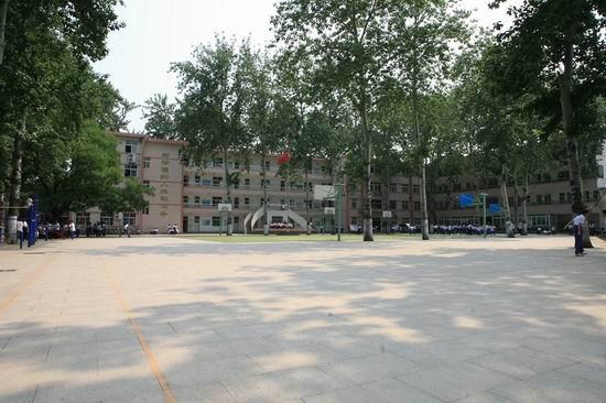 济南市历城第六中学